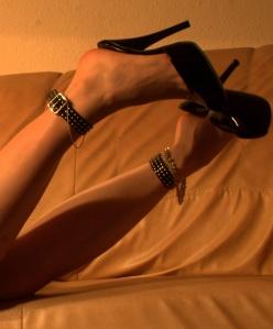 dangle/high heels